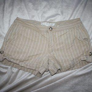 Khaki Old Navy Pin Stripe shorts Size 4